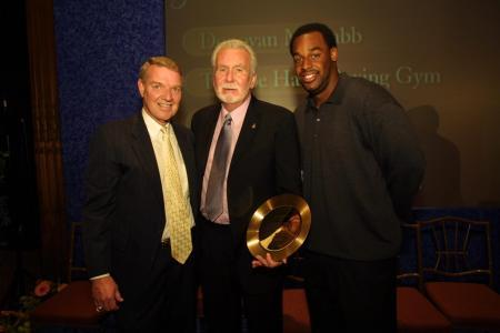Philadelphia Sports Congress community service award gets well-deserved Hand